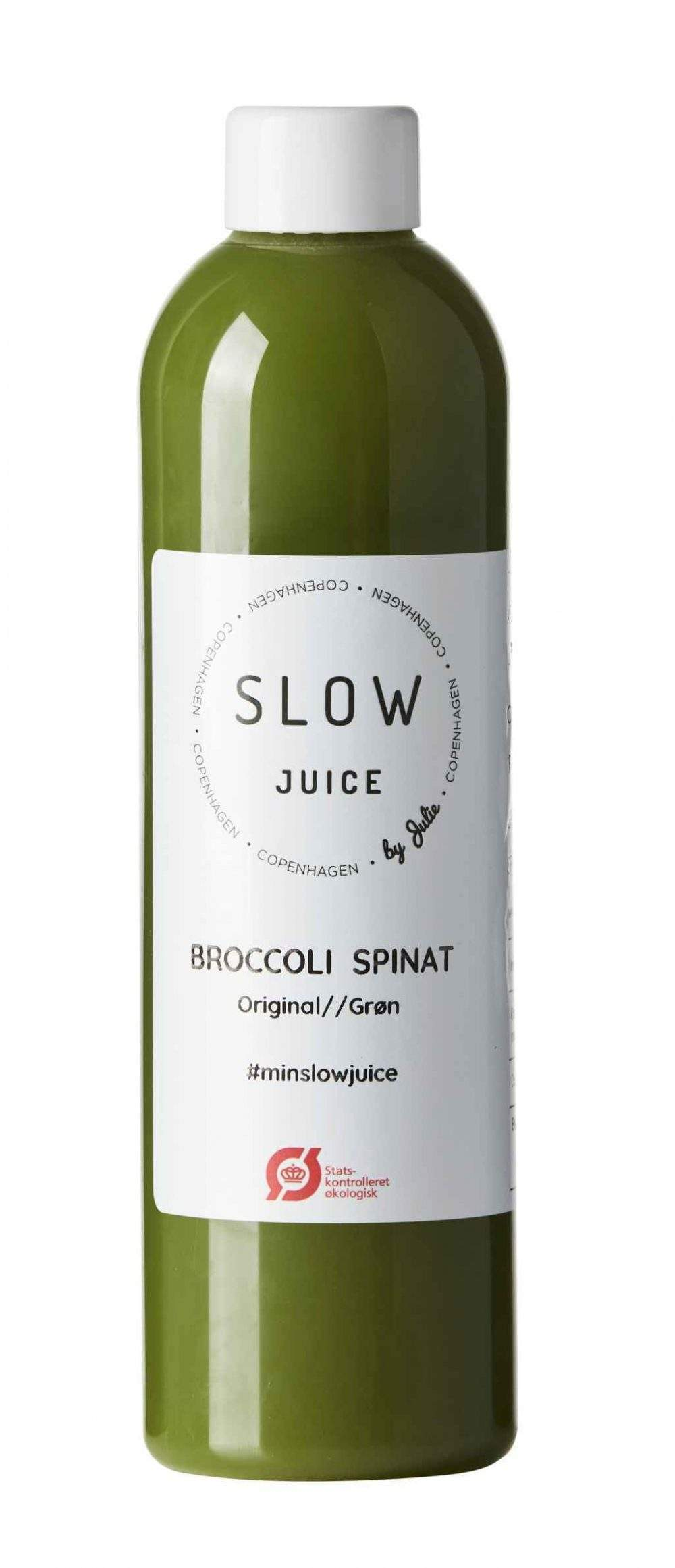 broccoli spinat Slowjuice paa hvid baggrund